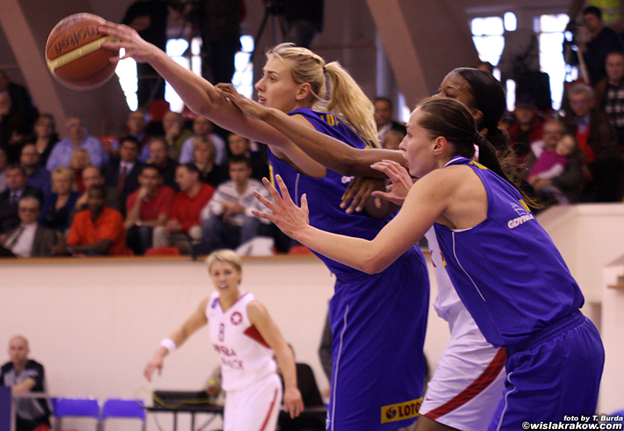 Wis�a Can-Pack Krak�w - Lotos Gdynia 82:54 - fot. nr 8