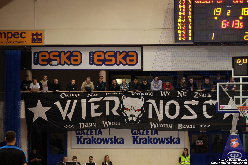 Wis�a Can-Pack - Uni Gyor 62:67 - fot. nr 6